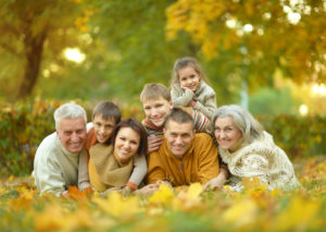 Family photo in Fall Setting